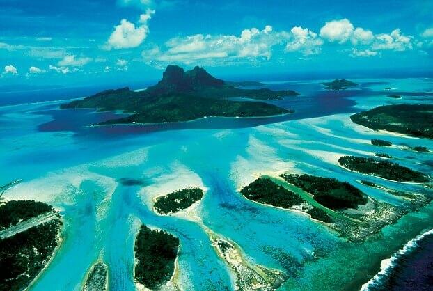 Può un vulcano diventare una meravigliosa isola della Polinesia?