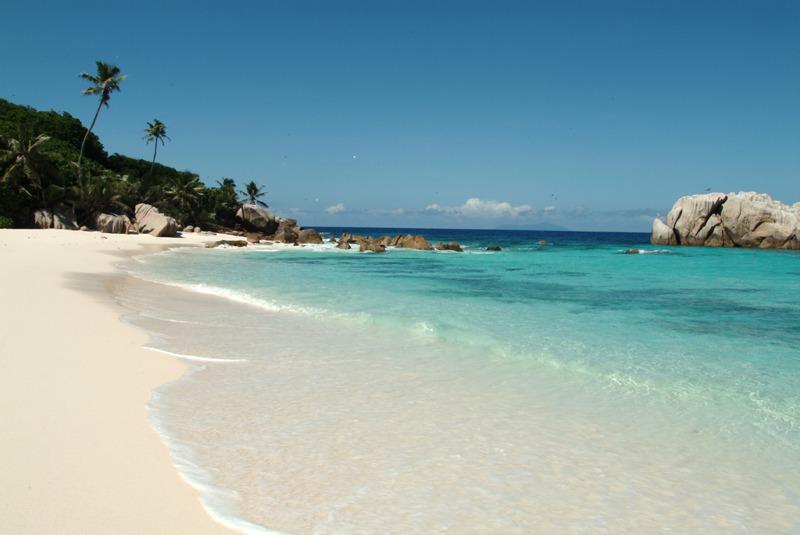 510a8664ac603-cousine_island_resort