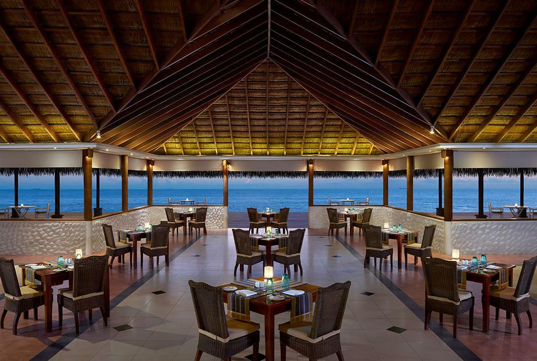585bf5d75e833-cinnamon_dhonveli_maldives_4