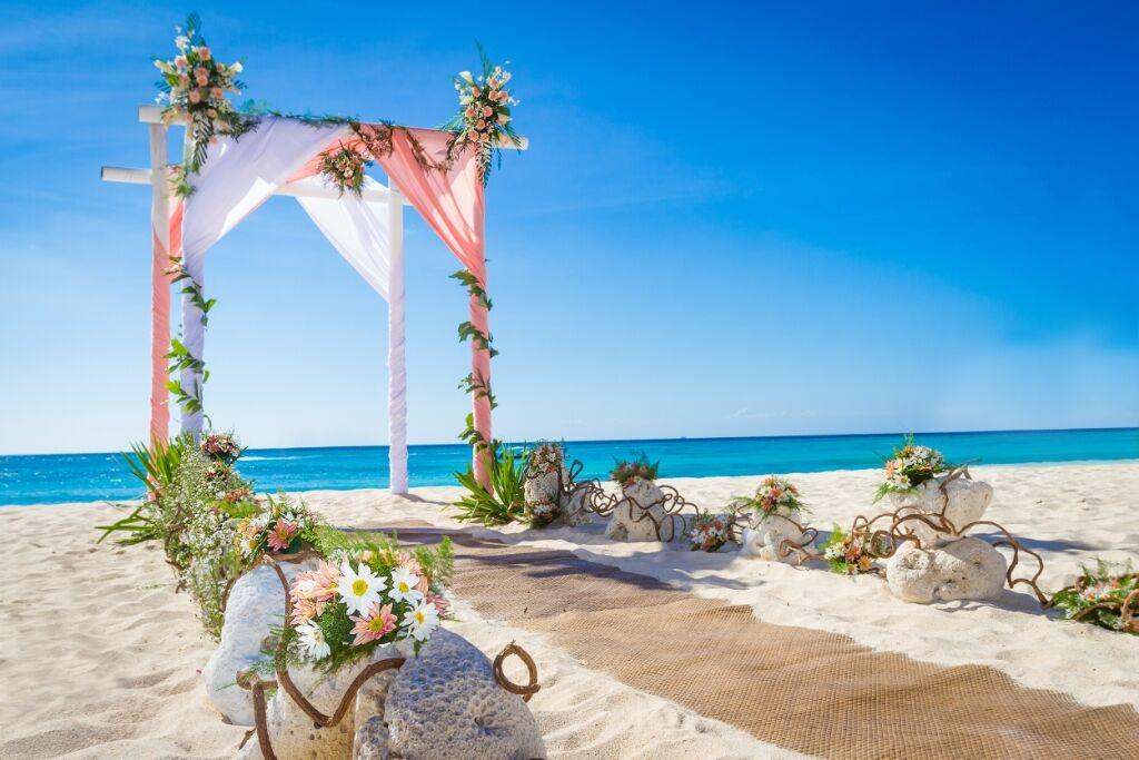 58a591067794d-cousine_island_resort