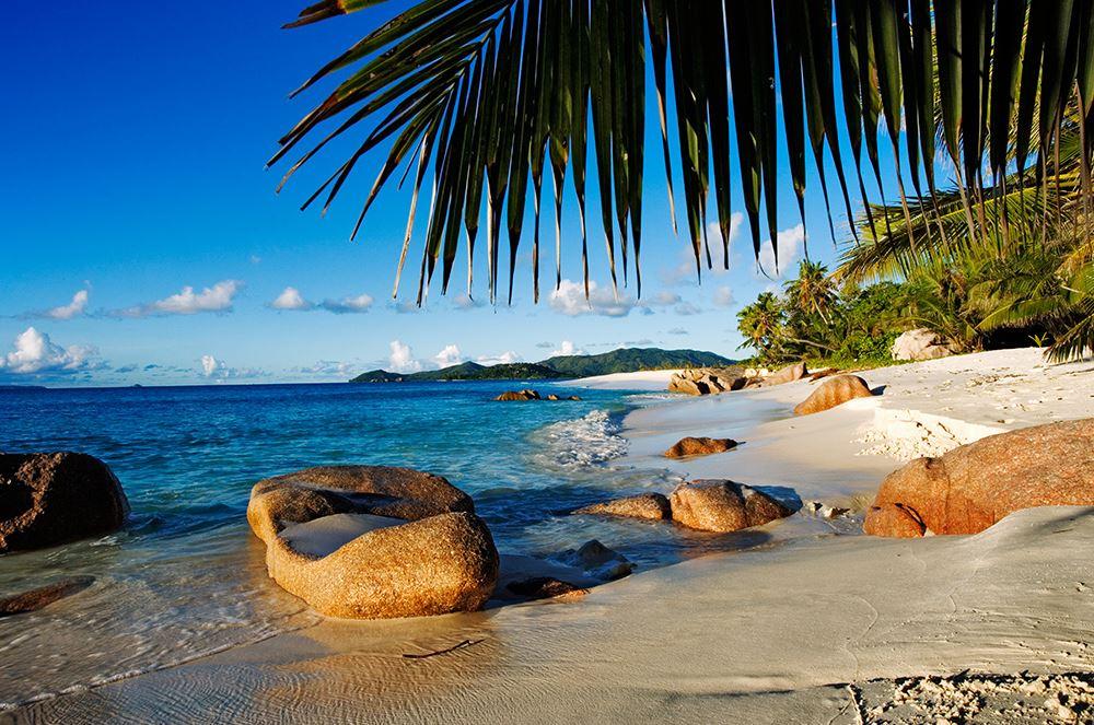 58a5911aa418f-cousine_island_resort