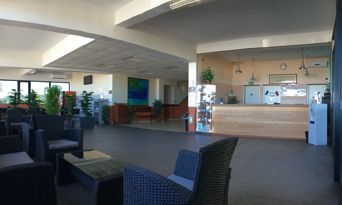 58a6b30986e1e-tahiti_airport_motel_