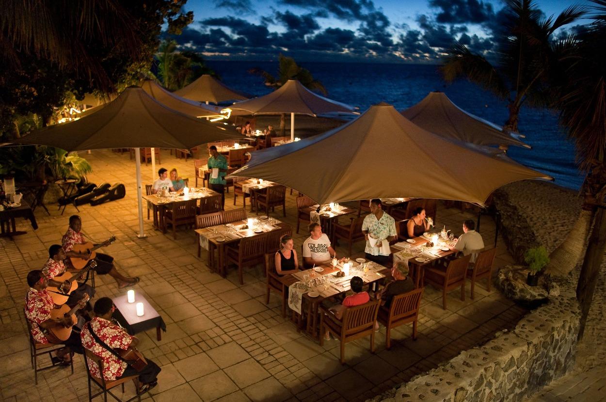5c121fc37263c-castaway_island_resort_4