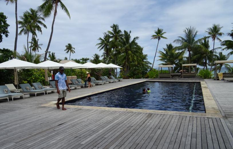 5c127e3c61036-vomo_island_resort_4_sup