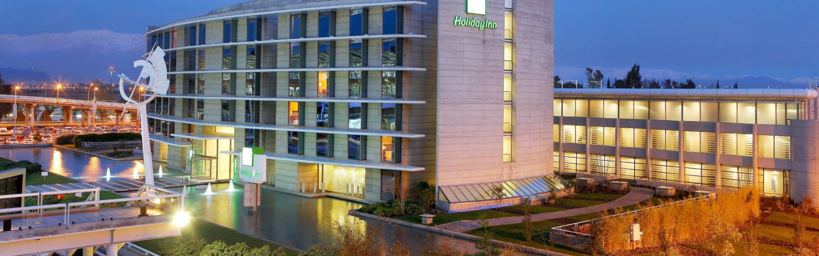 holiday_inn_santiago_airport_ext