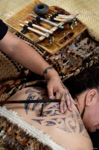Tatuaggio_Maori_Kia_Ora_Viaggi