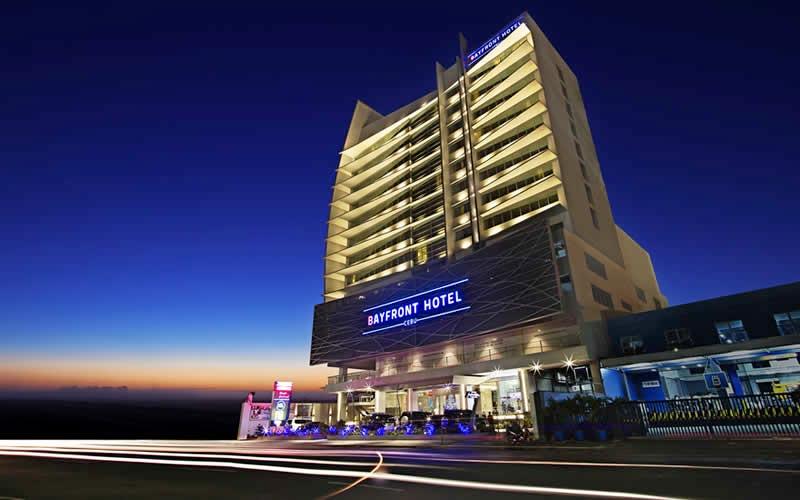 Bayfront Hotel Cebu 3*