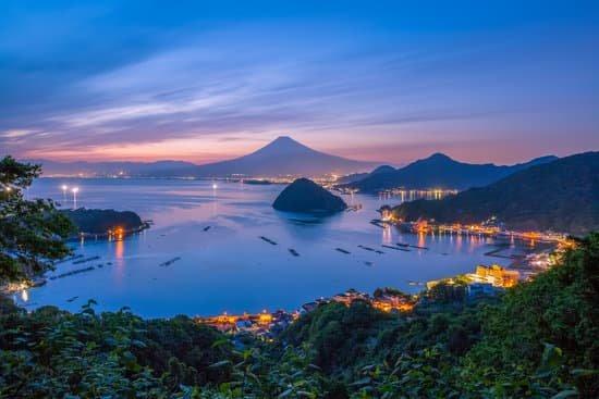 Estate Giapponese: tra fuochi d'artificio, festival ed escursioni naturalistiche